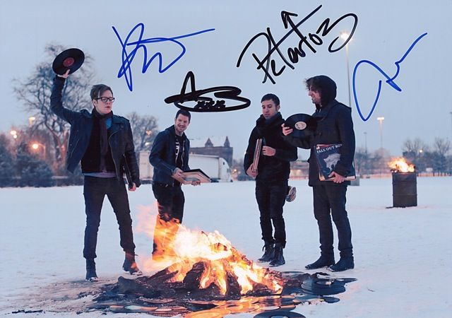 Fall Out Boy Poster | Music > Music Memorabilia > Rock > Autographs > Pre-Printed                      I WANTTTTT