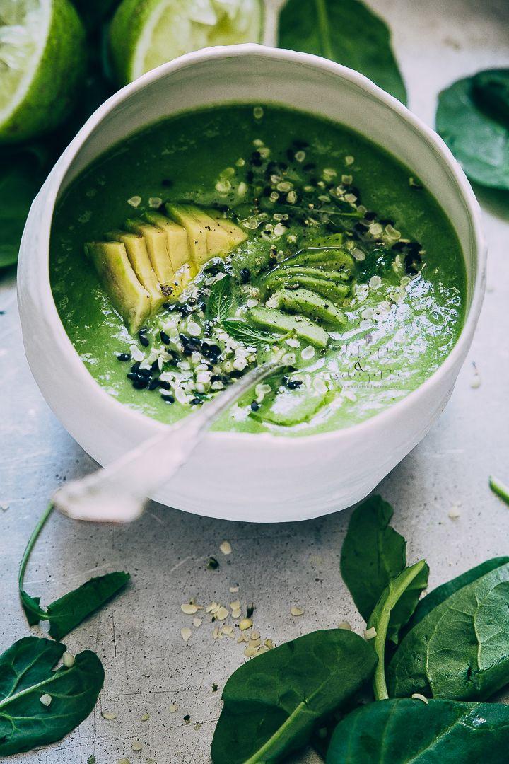 chilled avocado, spinach and coconut milk soup - zuppa fredda di avocado, spinaci e latte di cocco