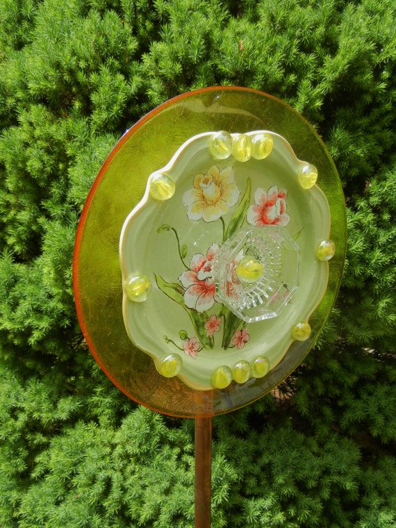 17 best images about garden decor whimsical bird feeders for Garden art from old dishes