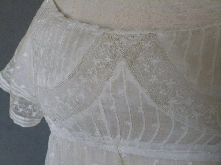 Scottish embroiderd gown c. 1805.