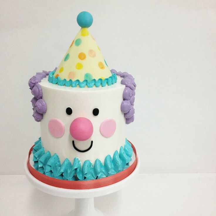 #clowns don't have to be scary. Made this #playful little guy with @francesmencias. It would be a perfect smash #cake for any #circus #party! #sweetandsaucy #sweetandsaucyshop #buttercream #fondant