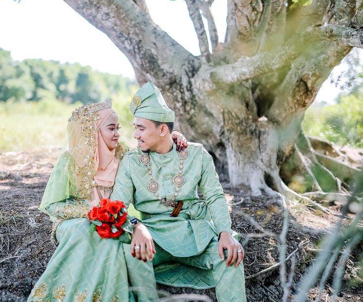 Majlis perkahwinan  adam & farah / 4-3-2018 / sg air tawar  Photo by : aziziyusof Tel no : 014-3384534  #weddingphotography #aziziyusofphotography #weddingphoto #event #bride #groom #putrajaya #weddingday #weddingcouture #weddingdresses #event #photography #photographysouls #photooftheday #photographermalaysia #sweet #moment #candid #weddingphoto2017 #photographermalaysia #weddingmalaysia #jomkahwin2017 #pakejmurah #inspirasipengantin #kualalumpur #brisesmaid #malaysiaweddingphotographer