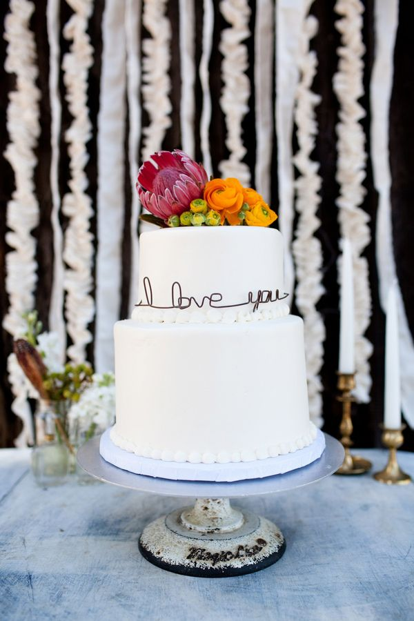 The most beautiful cake! How simple, cute, adorable and lovely!! Simple, powerful statement. LOVE it! <3   (Handcrafted Encinitas Wedding Ideas- Ruffledblog)