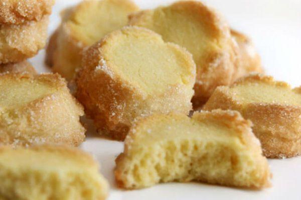 Потрясающее печенье от великого французского кондитера Пьера Эрме… Хрустящее снаружи,нежное и рассыпчатое внутри…просто тает во рту! | Моя любимая выпечка