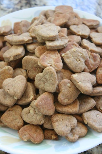 Peanut butter dog treats (4 ingredients)
