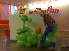 Plant vs zombie balloon delivery (PopCap) | Seattle Balloon Decorations