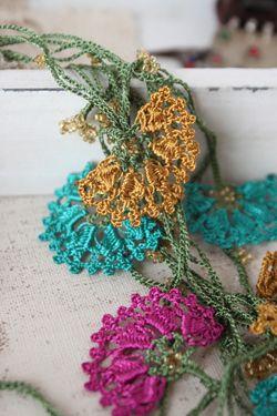 Turkish miscellaneous goods & oya & kirim SOFA ★ Turkey hand-knitted Bonjukuoya · bee's oya