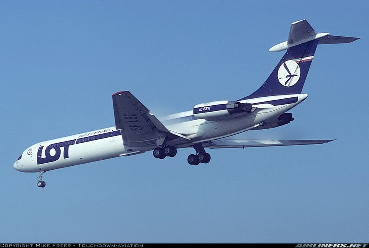 LOT Polish Airlines Ilyushin Il-62M SP-LBD on final approach to London-Heathrow, October 1983. (Photo: Mike Freer)