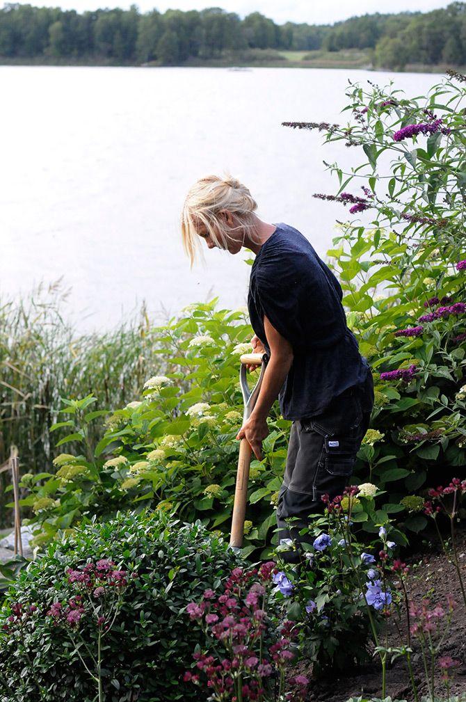 Victoria Skoglund testar Bokashi.