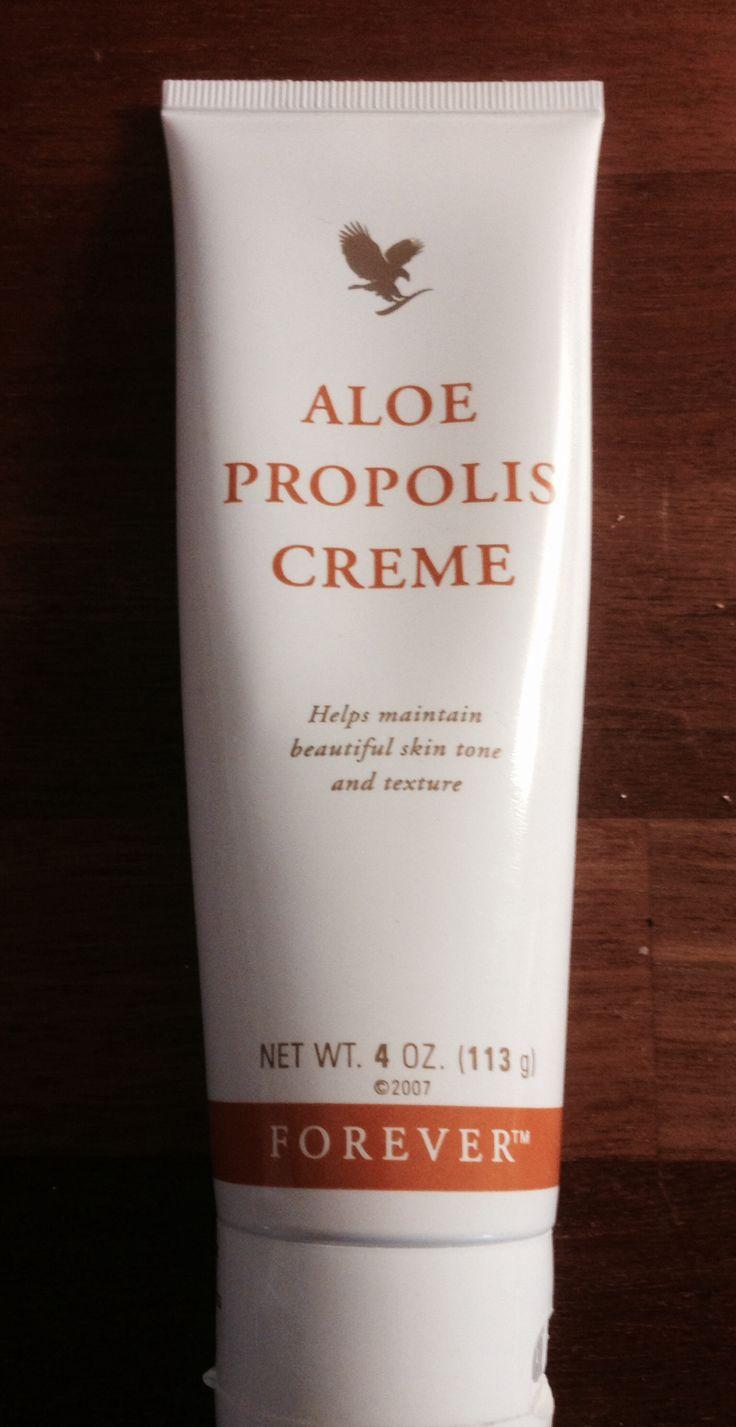 Aloe Propolis creme - naturlig antibiotika. Kuldekrem og potekrem. Super til sprukne fingre, arr, tørr hud o.l.
