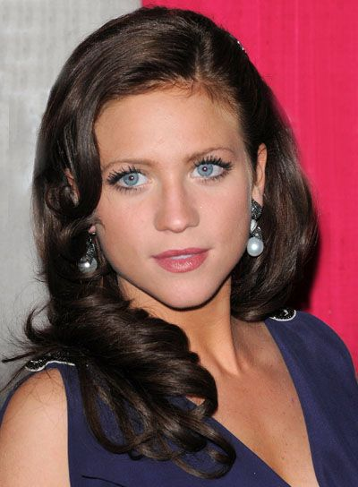 brittany snow's hair and earrings
