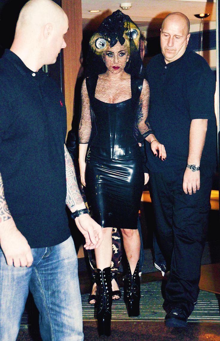 lgsource:    Leaving IVY Bar Nightclub in Sydney (March 18th 2010)