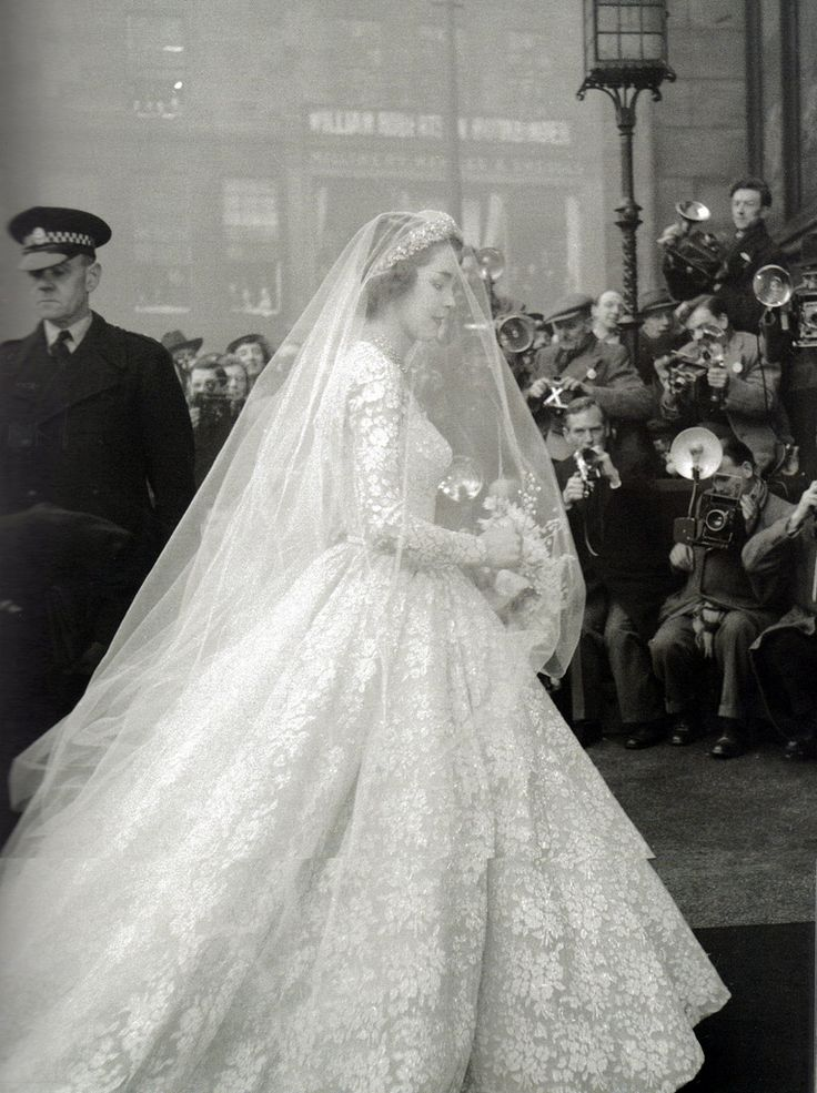Jane O'Neil: Jane O'Neil married the Earl of Dalkeith.- This would be a pic for wedding dress inspiration!!!