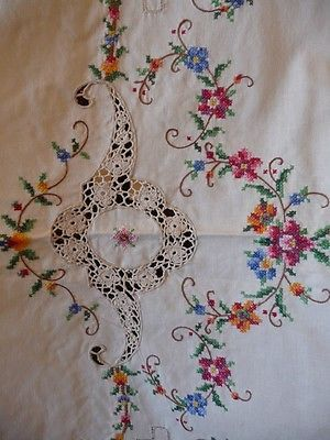 BEAUTIFUL Vintage Linen Cross Stitch and Crochet Tablecloth 64x80 with 8 napkins