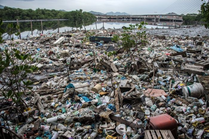 Partial vew of the Cunha canal that flows into the highly polluted Guanabara Bay 2