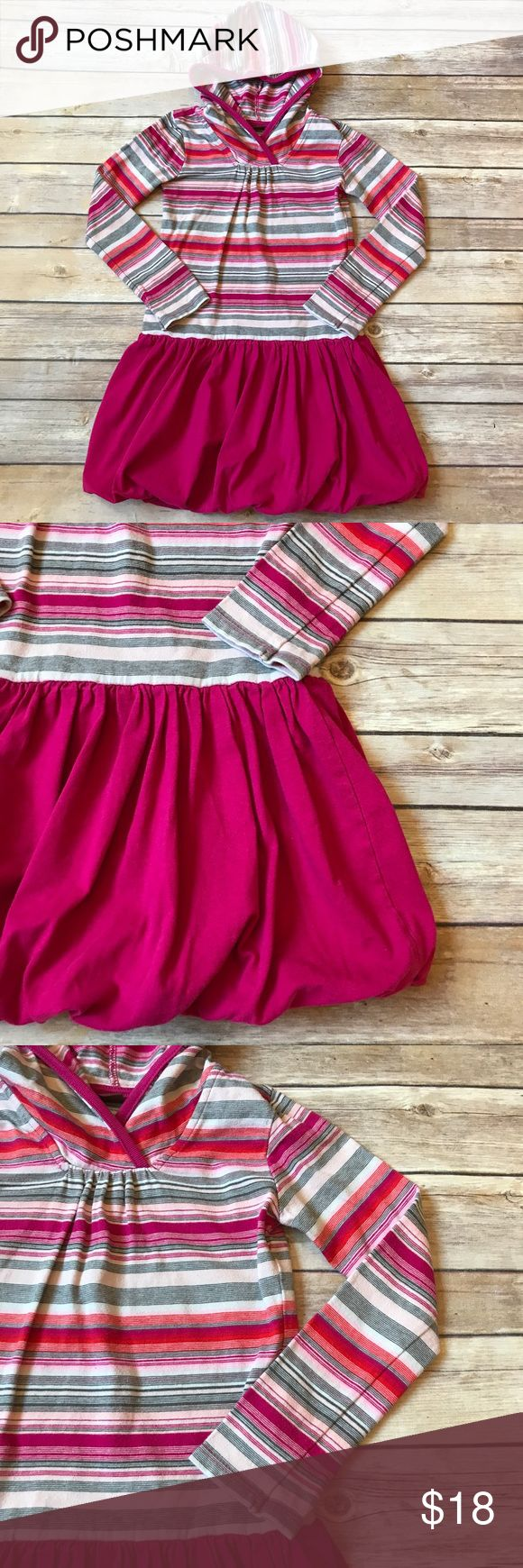 Tea Collection Size 5, Tea Collection dress. Striped dress with bright pink bubble skirt. Striped hood. Long sleeves. 100% cotton. No stains or flaws. Very good condition. Tea Collection Dresses