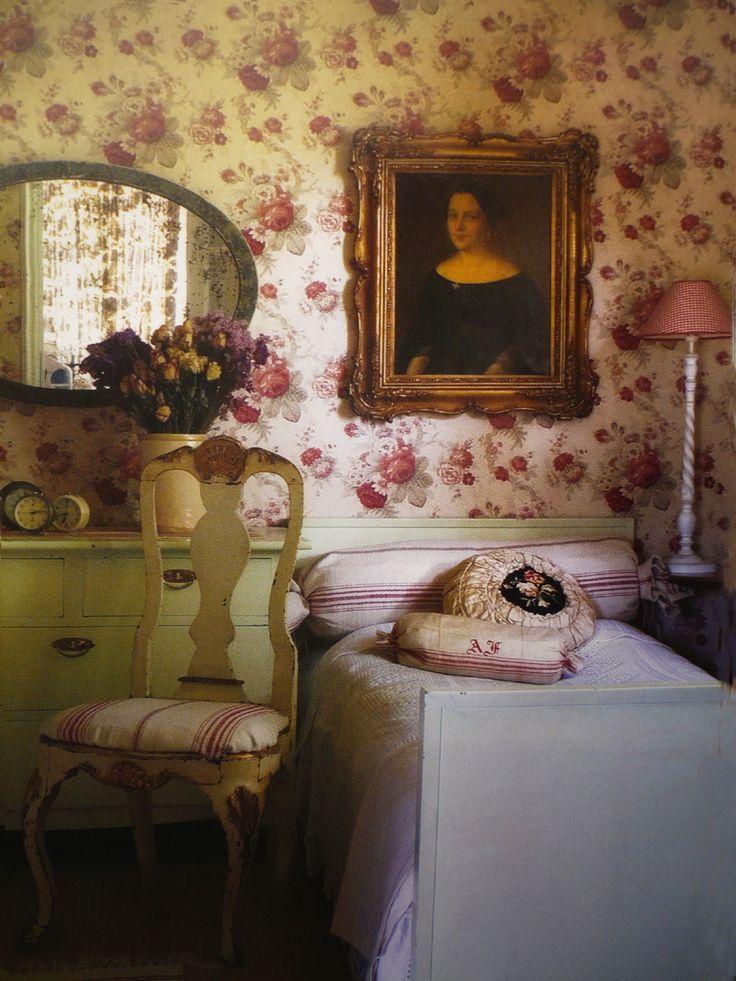 Lovely romantic inspiration for the bedroom  © Maison romantique Nov.2012