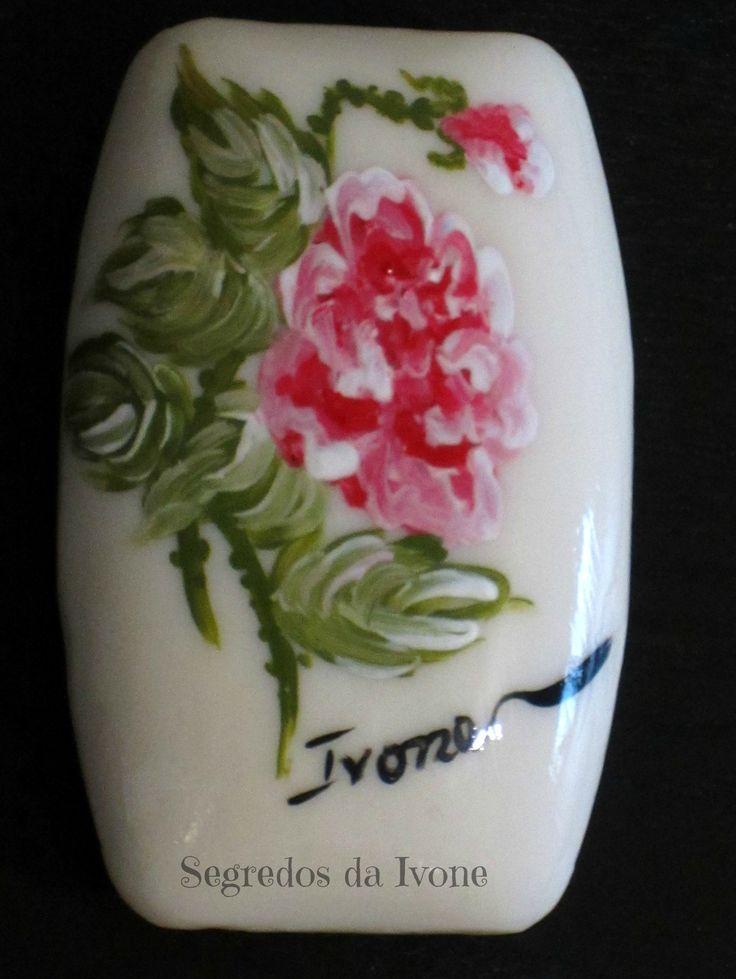 SA53-  Pintura em sabonete - motivo floral