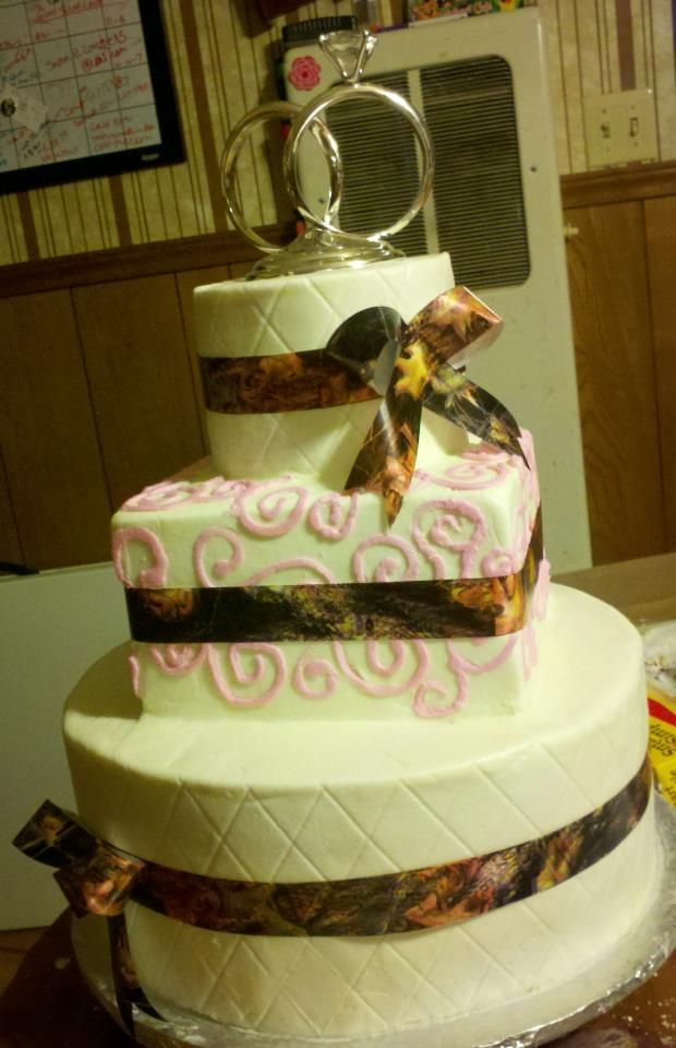 camoflauge wedding cakes the 14 best images about wedding cakes 10 18 14 on 12333