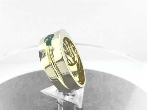 Men's emerald ring R-OSO-049 by www.GreenInGold.com #rings #emeralds #menstyle