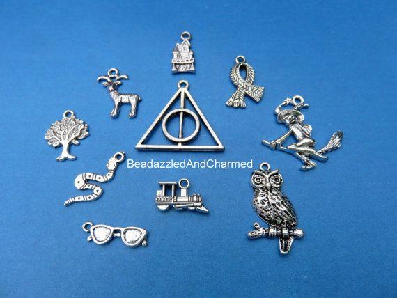 Harry Potter pendentif Charm Mix par BeadazzledAndCharmed sur Etsy