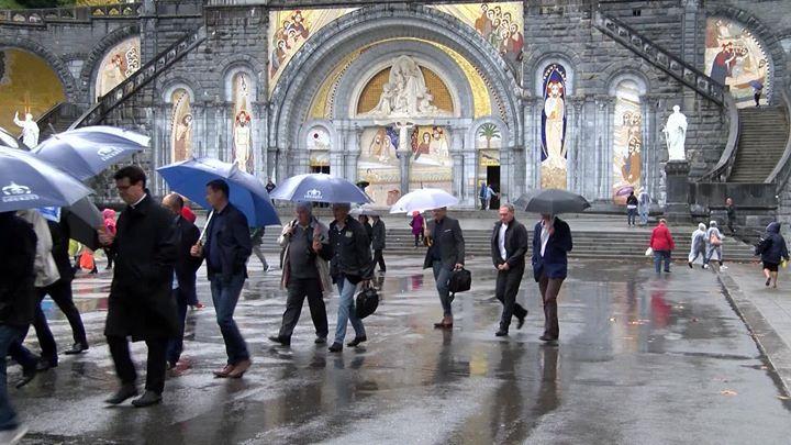 La direction du Tour de France #TDF2018 a visité hier le Sanctuaire de Lourdes qui sera le lieu de départ de l'étape de montagne du 27 juillet 2018. catholicnecklace