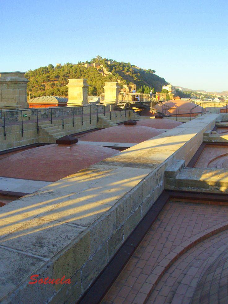 04 Vista de Gibralfaro desde La Catedral.JPG