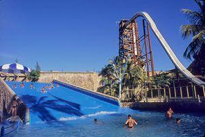 Importante Parque no Litoral de Fortaleza/CE - Brasil, Beach Park com um Parque Aquático nota 10, venha conhecer.