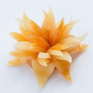 Świeca o zapachu Wanilia. Świeczki Waniliowe w kształcie kwiatów. Bardzo fajne ładne. Podobno perfumowane, czyli lepsze niż zwykłe zapachowe (teoretycznie). https://korleone.pl/pl/c/Swiece-WANILIOWE/76
