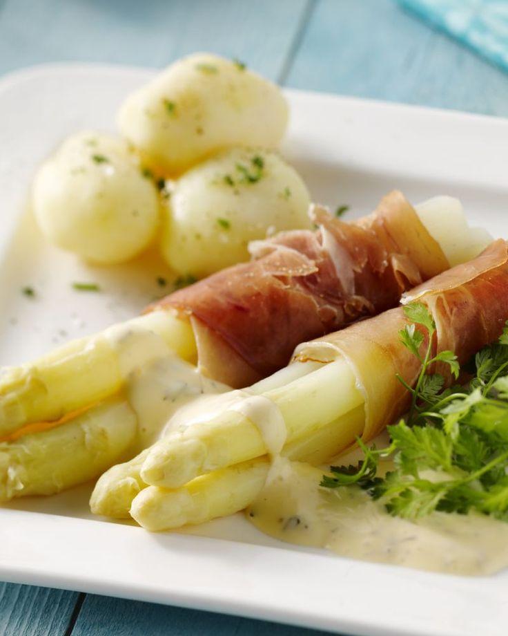 Voor een makkelijke lunch of voorgerechtje in de lente zijn asperges een gezonde keuze. Deze lekkere rolletjes met ham en een hollandaise-saus zijn heerlijk!