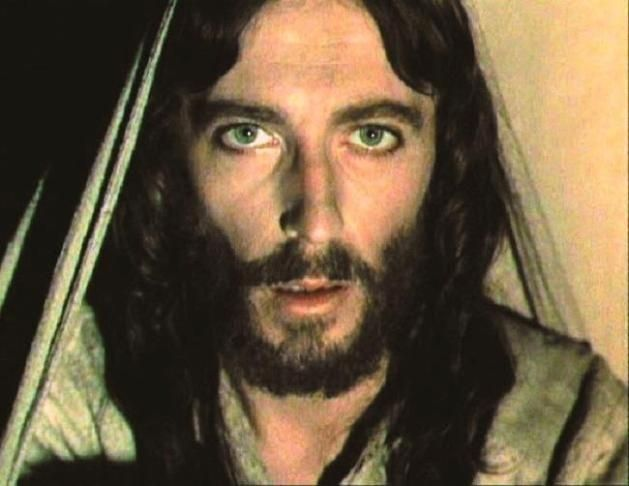 Robert Powell Played Jesus in Jesus of Nazareth    simply amazing!