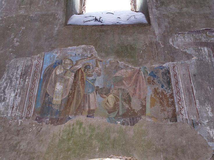 Ещё до границы с Ивановской областью мы заглянули в деревеньку Гнездилово, что в окрестностях Суздали.  Храм Николая Чудотворца был построен 188 лет назад