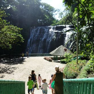 Wondering what to do in Manila? Why not go to Antipolo's Hinulugang Taktak Falls?