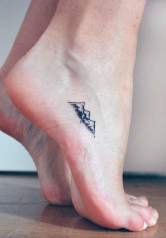 Exceptionnel Fare un tatuaggio sul piede: guida completa IW62