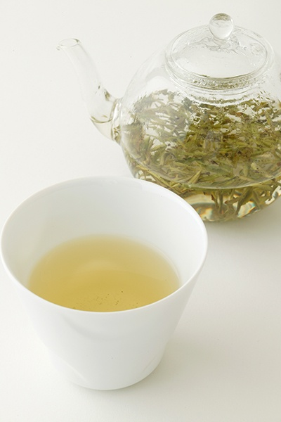 Huang shan mao feng cha (Green tea)    Enjoy a beautiful amber tint, cool and refreshing taste and elegant sweet taste.