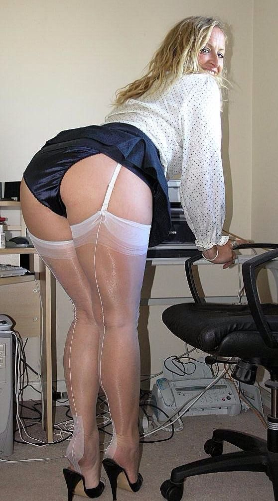Navy Blue Granny Panties Go Well With White Hose And Heels -7806