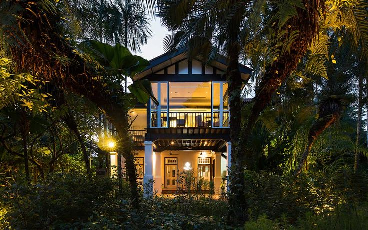 Enchanting on many fronts, CORNER HOUSE celebrates a unique and colourful human being, it evokes the romance of a special historical location, it thrills with superb gastronomy and marks a return to grace and hospitality that will be cherished and remembered.