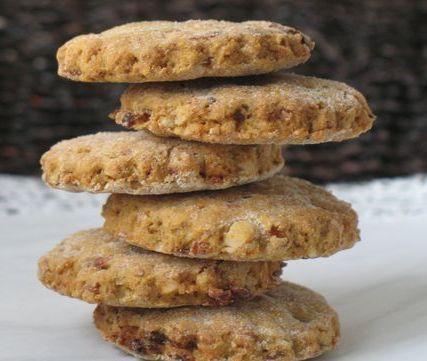 Biscotti integrali uvetta carote noci farina mais e integrale