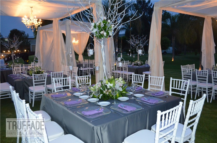 Tonalidades de decoraci n gris oxford y blanco boda for Decoracion blanco y gris