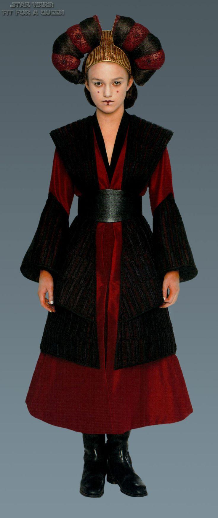 Star Wars Queen Amidala's handmaiden Sabe's Battle Dress - Front view