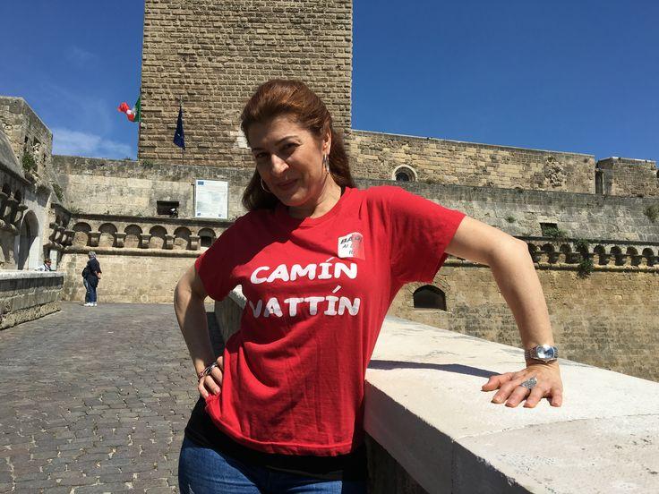 """ANTONELLA GENGA - Le T-shirt """"Camin Vattin"""" sono in vendita presso il negozio BIDONVILLE Via Melo 224 a Bari - tel. 080-9905699 (consegna in tutta Italia e all'Estero con spedizione postale)"""