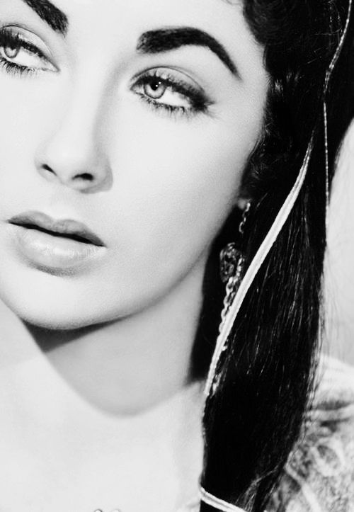 hollywoodlady:  Elizabeth Taylor for Ivanhoe, 1952