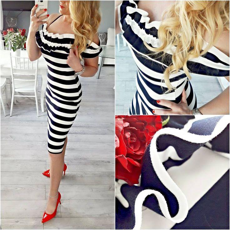 Sukienka w marynarskim stylu z hiszpańskim dekoltem 😍 S/M 109 zł Zamówienia prosimy składać w wiadomości prywatnej.