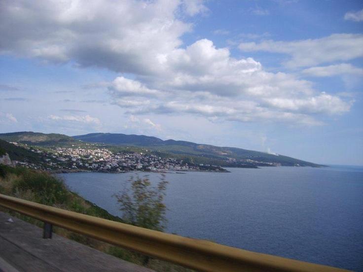 Bir kısmını gezmek bizi kesti. Zaman kaybına tahammülüm olmadığından direk Virpazar - Sutomare üzerinden Tünel'e 5 euro verip ciddi yoldan zaman kazanmanızı öneriyoruz... daha fazla bilgi ve footoğraf için; http://www.geziyorum.net/karadag-montenegro-gezisi-ulcinj/