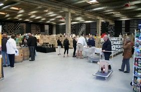 Gratis vin fra Nordeuropas største vinforretning - Ikke noget at sige til, at Mekonomen Autoteknik - ES Motor's årlige vejfest i Brøndby er DK's suverænt største.