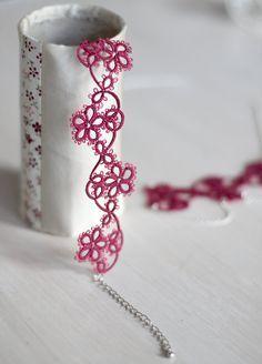 Para un escote femenino y una mirada elegante, Pruebe este hermoso, encantador y delicado collar hecho a mano. Junto con la pulsera perfecta, garantizará