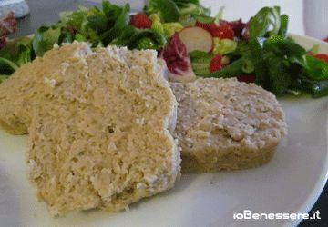 Polpettone freddo di tonno e ricotta http://www.iobenessere.it/polpettone-freddo-di-tonno-e-ricotta/ #ricette #cucina #ricettesane #ricetta #benessere #salute #tonno #ricotta