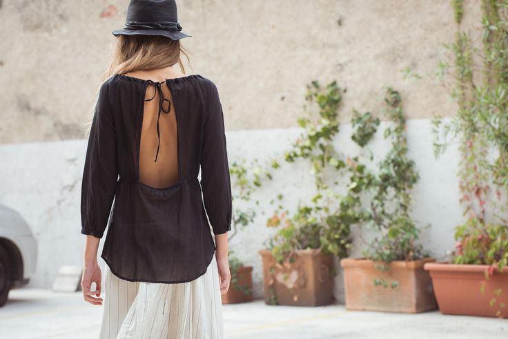 Sami Hat Hemp, Black. Bleeker Shirt Cotton Voile, Black. Texas Skirt Striped Cotton, Natural.