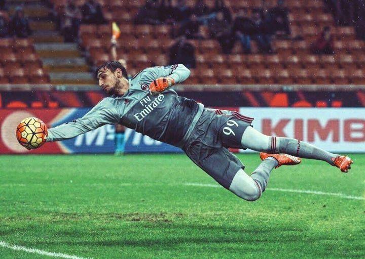 Happy 17th birthday to Italy's next great goalkeeper Gianluigi Donnarumma!