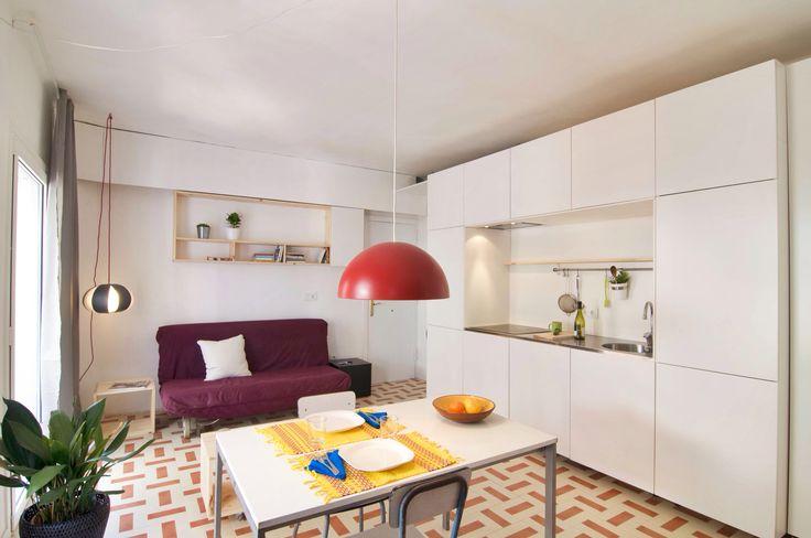 Barceloneta apartment refurbishing, pattern floor